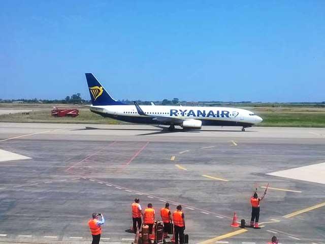 Riapre l'aeroporto di Crotone, primo volo Ryanair
