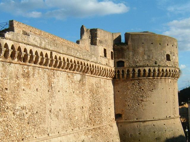 Gian Giacomo dell'Acaya: l'erchitetto che progetto' il Castello di Crotone e altre fortificazioni del Sud