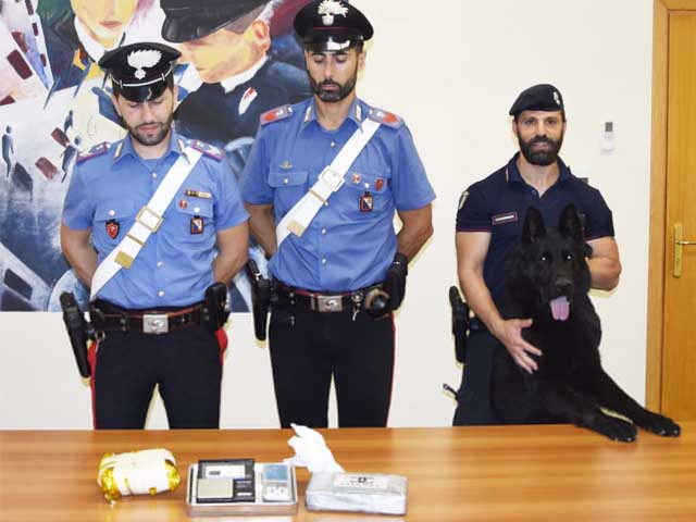cocaina sequestro crotone