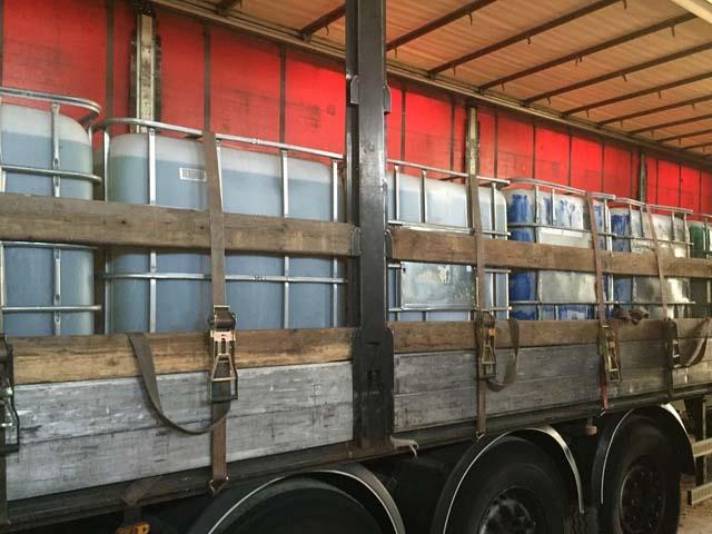 Sequestrate 26 tonnellate di gasolio erano su autocarro for Arredo inox crotone