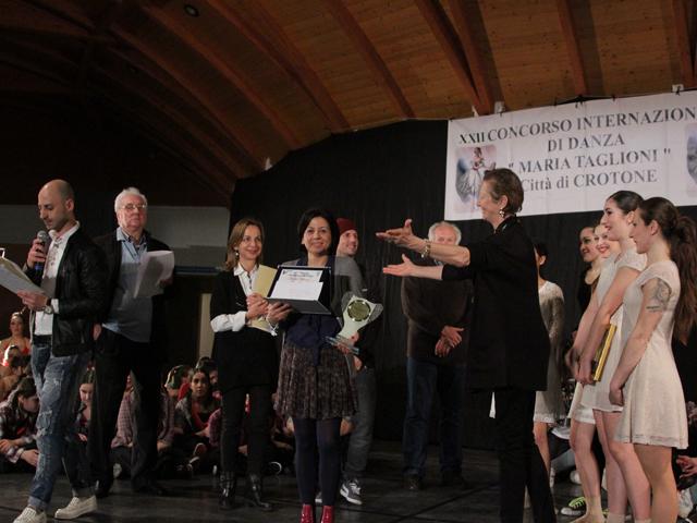 Duemila partecipanti e 25 scuole di danza presenti al for Arredo inox crotone