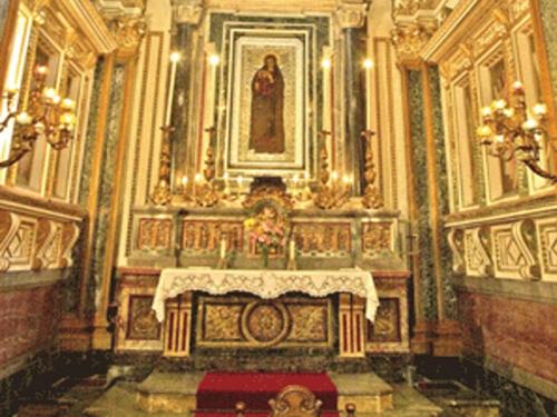 Piccolo Ufficio Della Madonna : La cappella della vergine del capo delle colonne in cattedrale