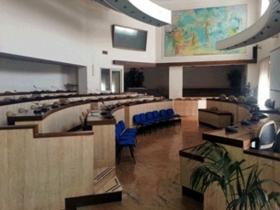 Salta in prima convocazione la seduta del consiglio comunale in programma per questa sera: maggioranza assente alla chiamata in aula